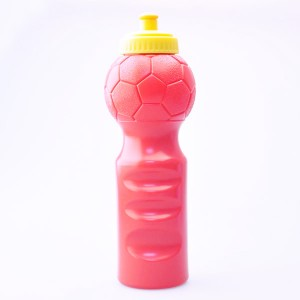 Xinyuetang football-Shaped Water Bottles BPA free Promotional Sports Bottle 750ml sports water bottles customized XYT-F001